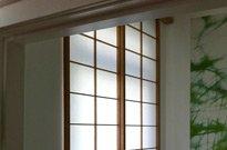 Shoji vor Fenster, Hemlock massiv, geölt