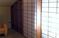 Dach-Einbauregal, Kiefer massiv, gebeizt, klarlackiert, Shoji (Holz: Hemlock geölt, PVC-laminiertes, transluzentes Japan-Papier)